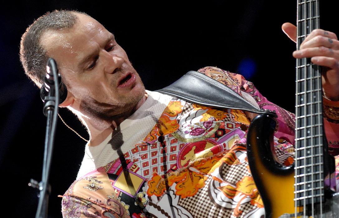 Flea, le bassiste emblématique de Red Hot Chili Peppers