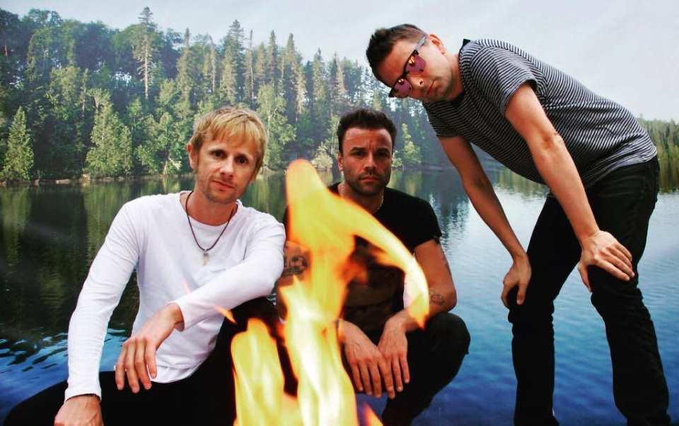 Les membres de Muse se détendent